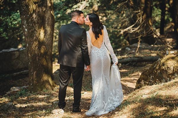 elegant-chic-wedding-rhodes-white-flowers-gold-touches_07