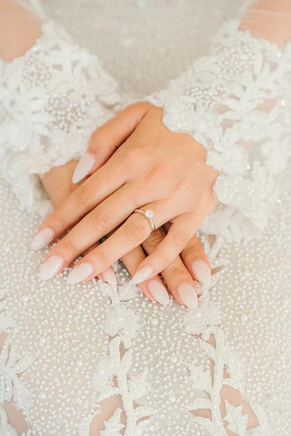 elegant-chic-wedding-rhodes-white-flowers-gold-touches_09