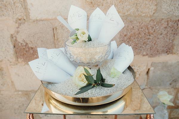 elegant-chic-wedding-rhodes-white-flowers-gold-touches_10