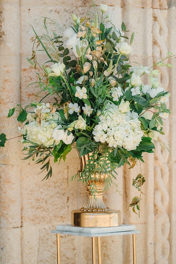 elegant-chic-wedding-rhodes-white-flowers-gold-touches_12