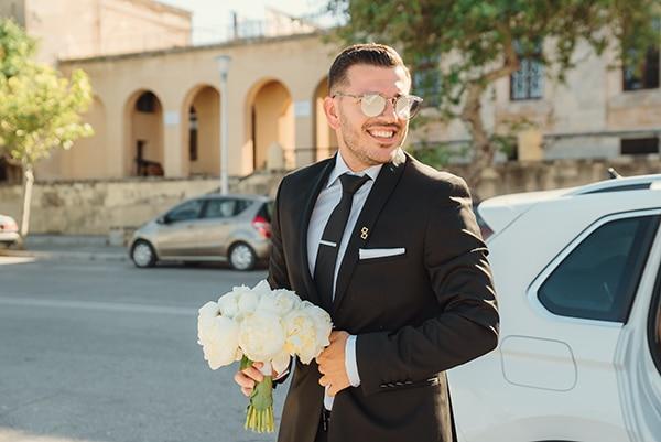 elegant-chic-wedding-rhodes-white-flowers-gold-touches_15