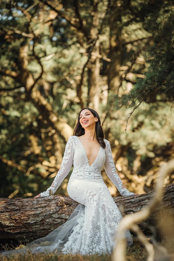 elegant-chic-wedding-rhodes-white-flowers-gold-touches_33