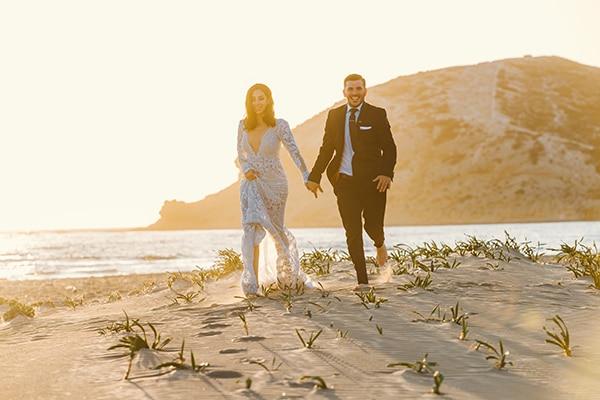 elegant-chic-wedding-rhodes-white-flowers-gold-touches_35