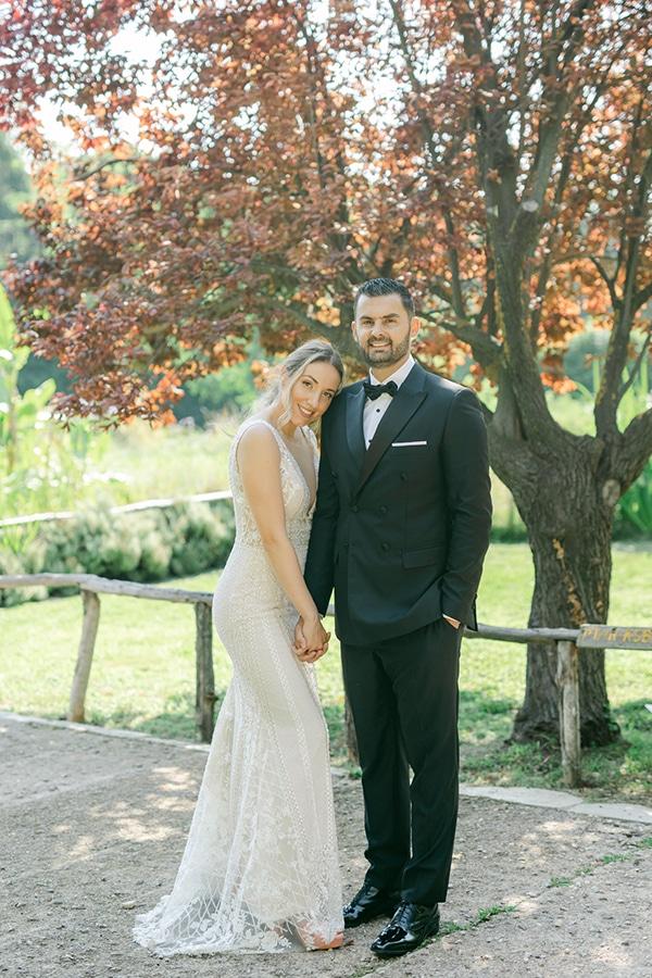 luxurious-summer-wedding-flowers-decoration-fuchsia-purple-tones_32