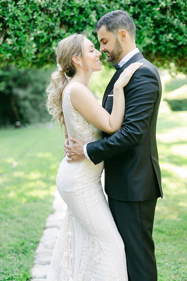 luxurious-summer-wedding-flowers-decoration-fuchsia-purple-tones_33