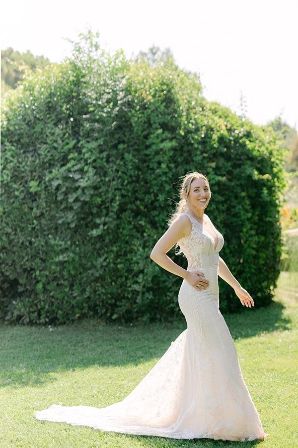 luxurious-summer-wedding-flowers-decoration-fuchsia-purple-tones_38