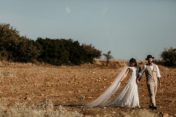 romantic-wedding-summer-thessaloniki-warm-hues-pink-blue-red_01