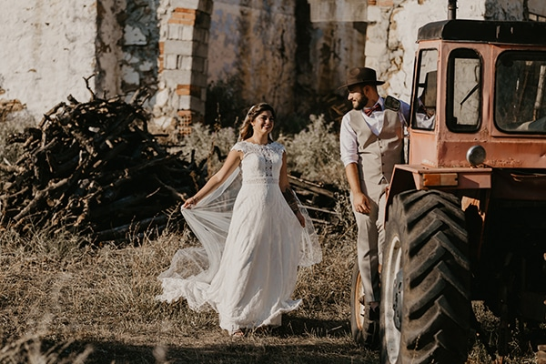 romantic-wedding-summer-thessaloniki-warm-hues-pink-blue-red_03x