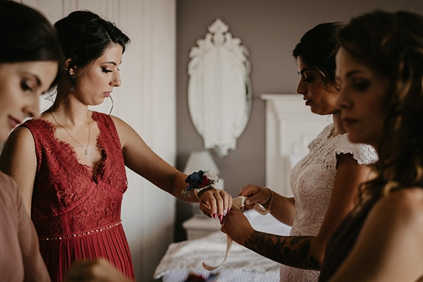 romantic-wedding-summer-thessaloniki-warm-hues-pink-blue-red_08