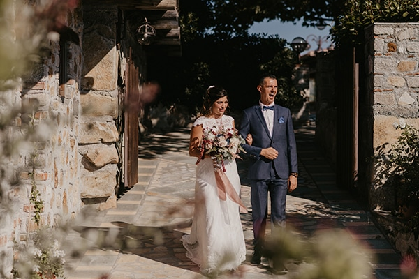 romantic-wedding-summer-thessaloniki-warm-hues-pink-blue-red_14