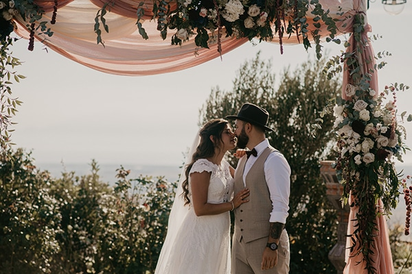 romantic-wedding-summer-thessaloniki-warm-hues-pink-blue-red_18