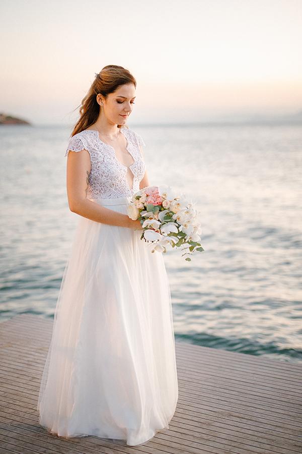 beautiful-summer-wedding-athensi-romantic-flowers-bohemian-touches_04