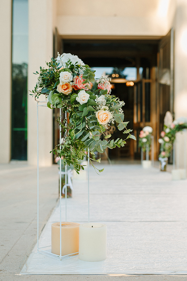 beautiful-summer-wedding-athensi-romantic-flowers-bohemian-touches_19