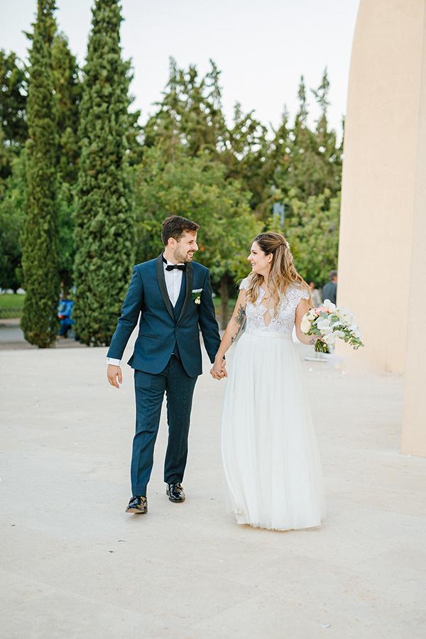 beautiful-summer-wedding-athensi-romantic-flowers-bohemian-touches_22x