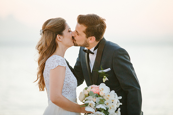 beautiful-summer-wedding-athensi-romantic-flowers-bohemian-touches_26