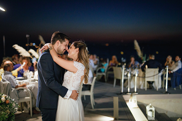 beautiful-summer-wedding-athensi-romantic-flowers-bohemian-touches_27x