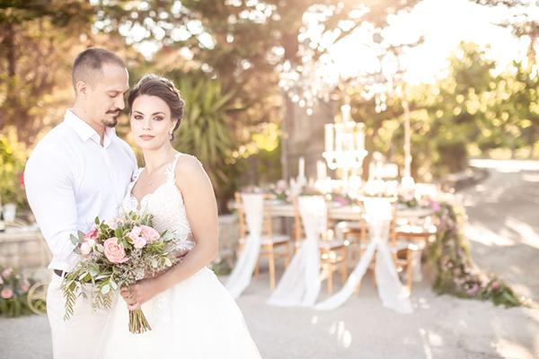 Ονειρικό styled shoot στην Κεφαλονιά με ρομαντικές και κομψές λεπτομέρειες