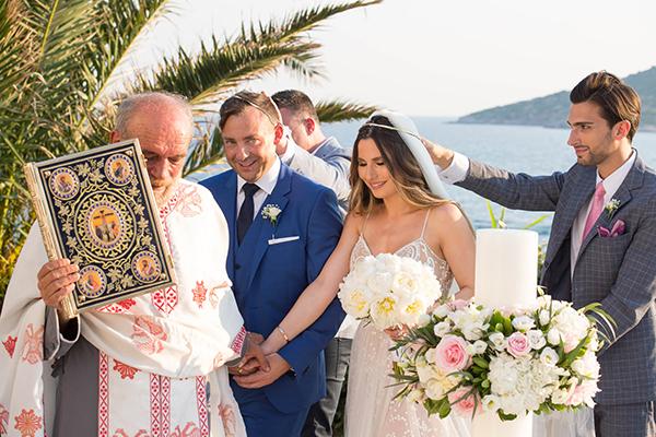 Μαγευτικός καλοκαιρινός γάμος στην Ανάβυσσο με τριαντάφυλλα και παιώνιες │ Νατάσα & Dominic
