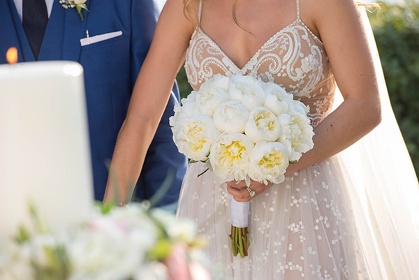 enchanting-summer-wedding-anavyssos-romantic-roses-peonies_03