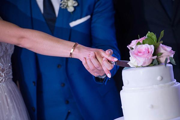enchanting-summer-wedding-anavyssos-romantic-roses-peonies_21
