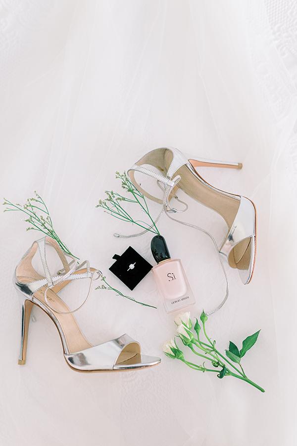 glamorous-boho-wedding-lake-vouliagmeni-romantic-details_06x