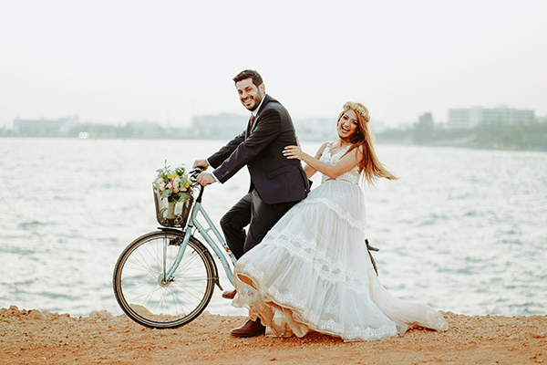Ρομαντικός φθινοπωρινός γάμος με τριαντάφυλλα και χρυσάνθεμα στον Πρωταρά │Ευδοκία & Άγγελος