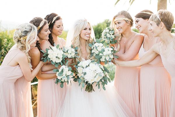 Ρομαντικός γάμος στην Κρήτη με λευκά τριαντάφυλλα │ Sarah & David