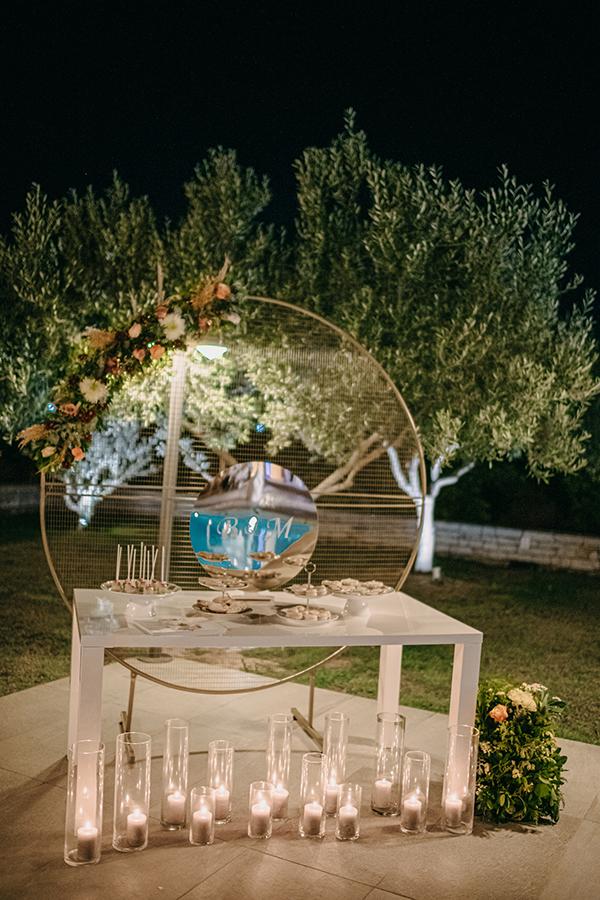 rustic-summer-wedding-corinthous-roses-dahlia-pampas-grass_25x