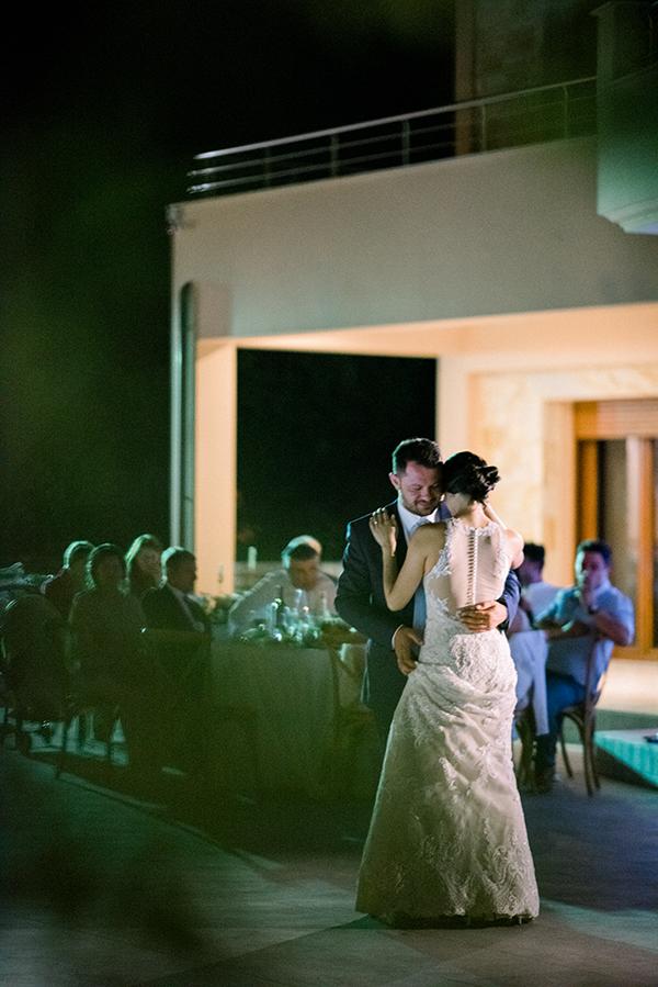 rustic-summer-wedding-corinthous-roses-dahlia-pampas-grass_34x