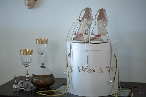 beautiful-romantic-wedding-ampelones-markou_03x