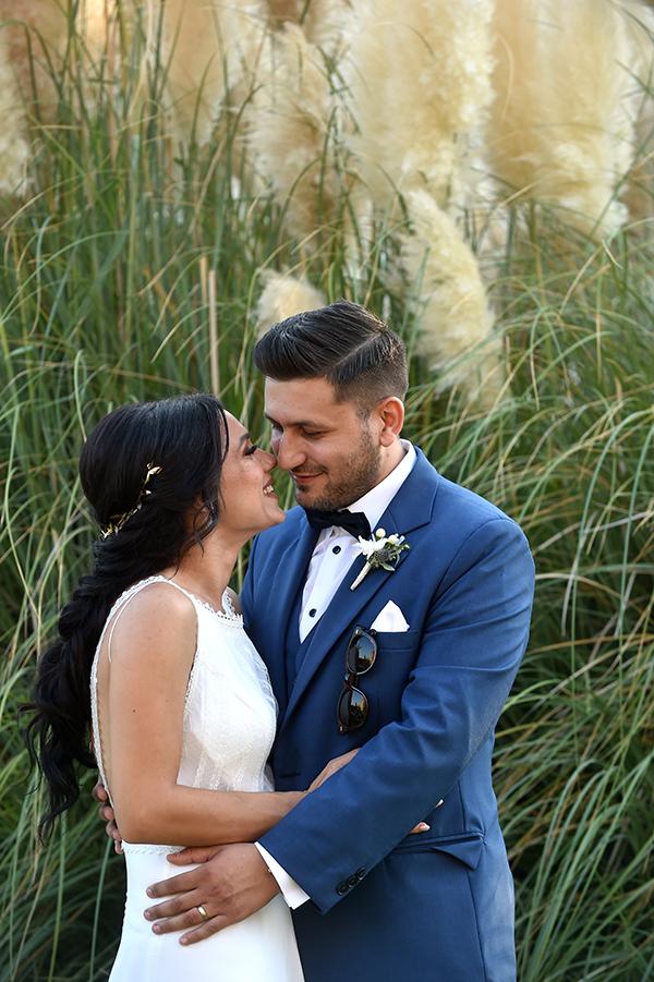 elegant-summer-wedding-nicosia-lush-flower-arrangements-romantic-touches_01