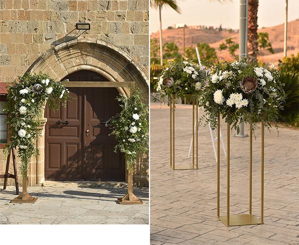 elegant-summer-wedding-nicosia-lush-flower-arrangements-romantic-touches_10A