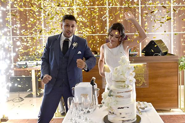 elegant-summer-wedding-nicosia-lush-flower-arrangements-romantic-touches_17