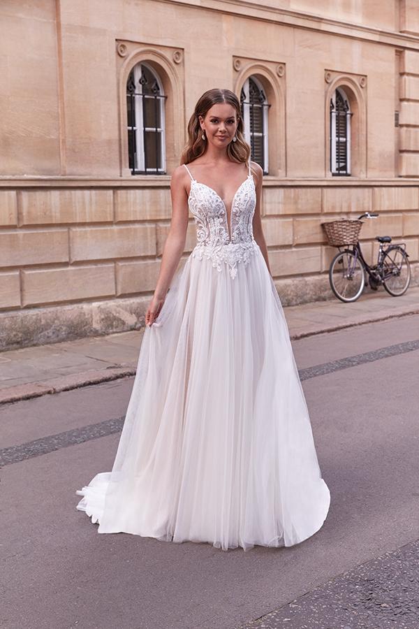 impressive-aetherial-bridal-creation-justin-alexander-modern-bride_15