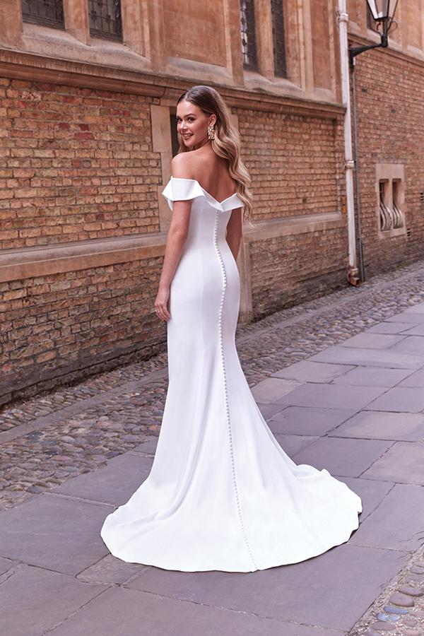 impressive-aetherial-bridal-creation-justin-alexander-modern-bride_21