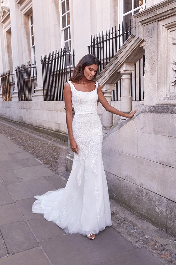 impressive-aetherial-bridal-creation-justin-alexander-modern-bride_23