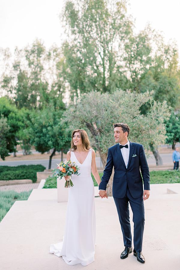 impressive-summer-wedding-vouliagmeni-lush-greenery-romantic-elements_01