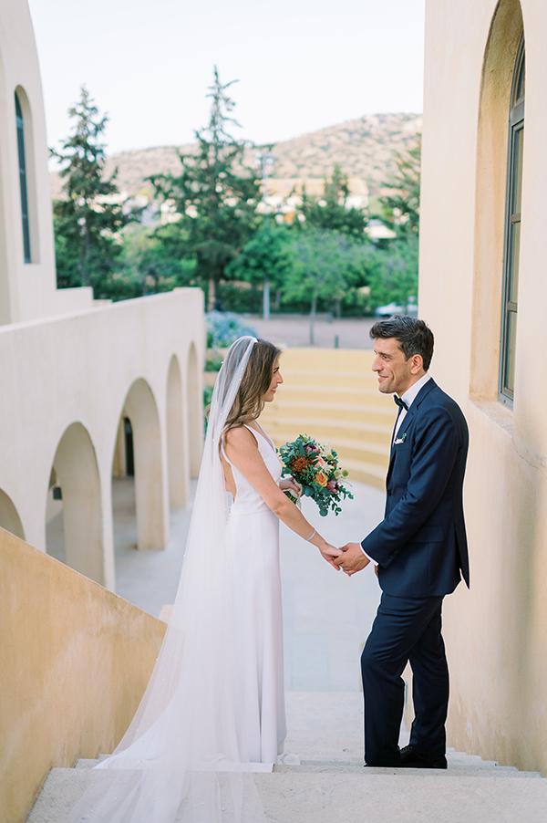 impressive-summer-wedding-vouliagmeni-lush-greenery-romantic-elements_02