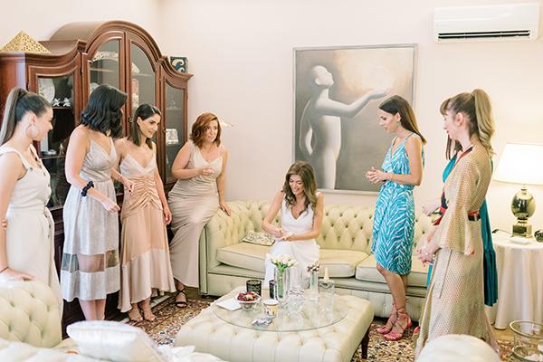 impressive-summer-wedding-vouliagmeni-lush-greenery-romantic-elements_12