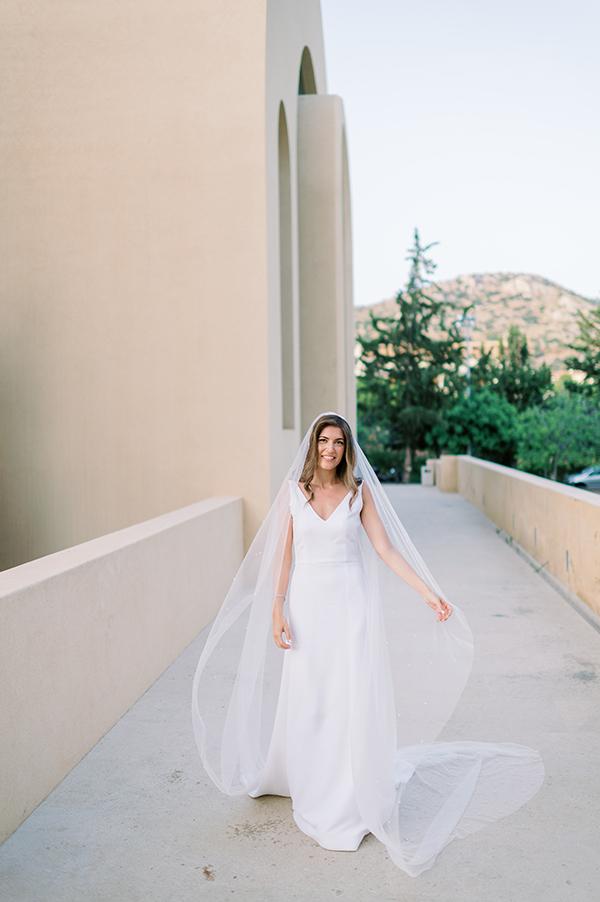 impressive-summer-wedding-vouliagmeni-lush-greenery-romantic-elements_14