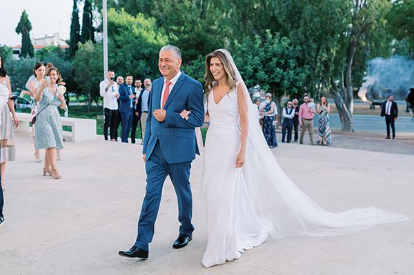 impressive-summer-wedding-vouliagmeni-lush-greenery-romantic-elements_18