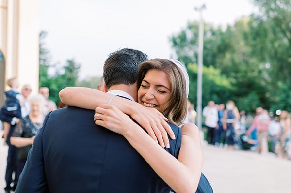impressive-summer-wedding-vouliagmeni-lush-greenery-romantic-elements_19