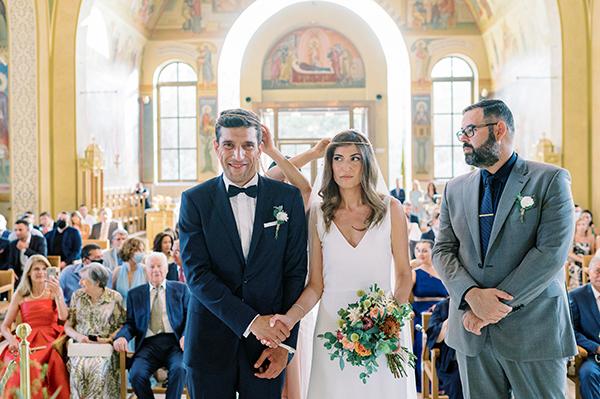 impressive-summer-wedding-vouliagmeni-lush-greenery-romantic-elements_25