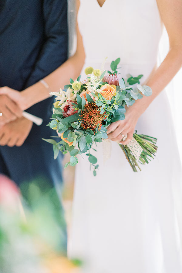 impressive-summer-wedding-vouliagmeni-lush-greenery-romantic-elements_27