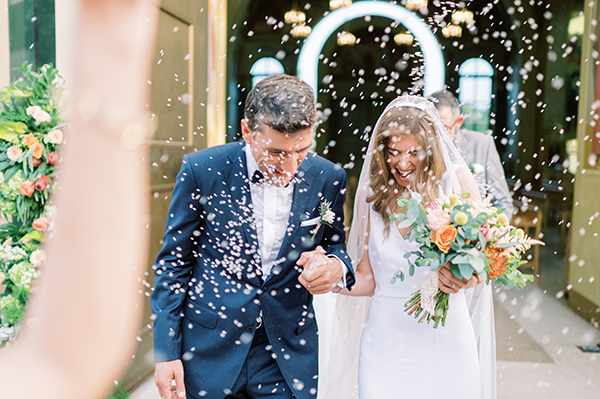 impressive-summer-wedding-vouliagmeni-lush-greenery-romantic-elements_29