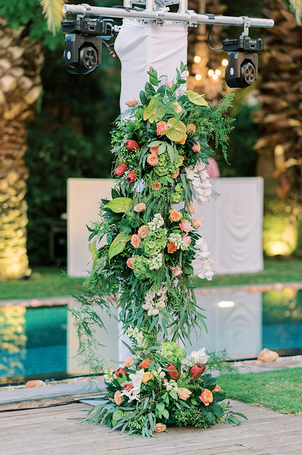 impressive-summer-wedding-vouliagmeni-lush-greenery-romantic-elements_33