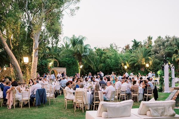 impressive-summer-wedding-vouliagmeni-lush-greenery-romantic-elements_35