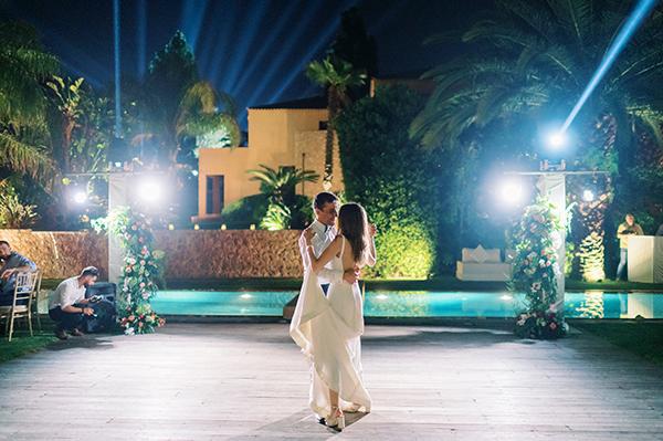 impressive-summer-wedding-vouliagmeni-lush-greenery-romantic-elements_39