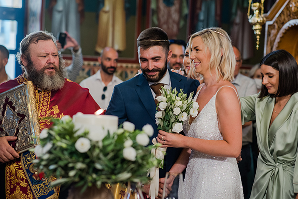 island-wedding-summer-skyros-white-lycianthus-olive_18
