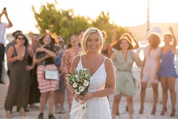 island-wedding-summer-skyros-white-lycianthus-olive_20